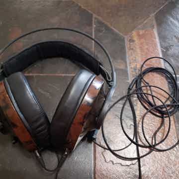 Nighthawk Over Ear Headphone