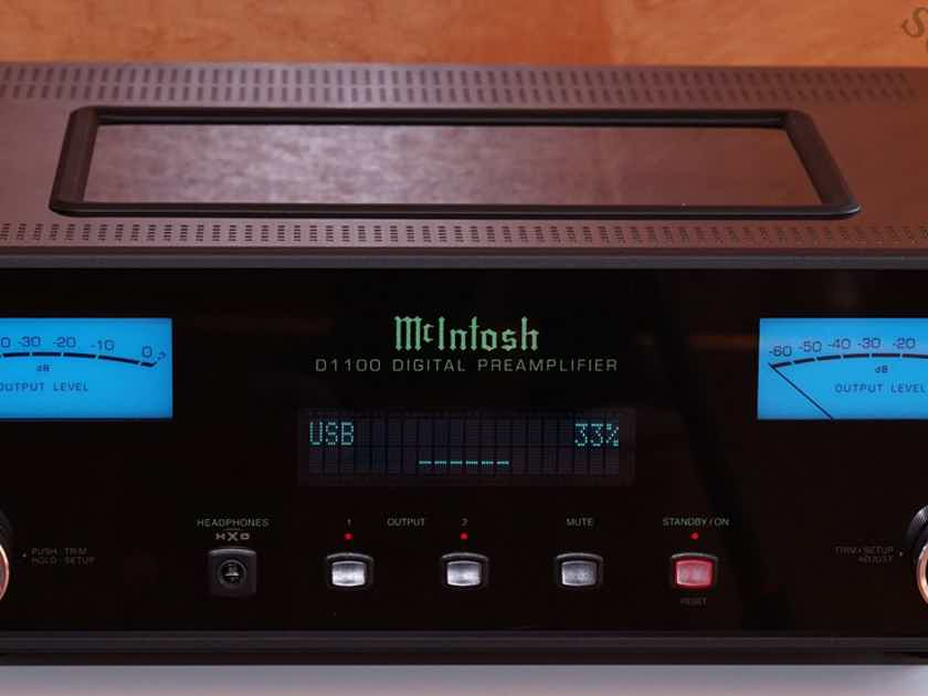 McIntosh D1100 D-1100 D 1100 DAC D/A Preamp Digital Reference AWESOME LNIB