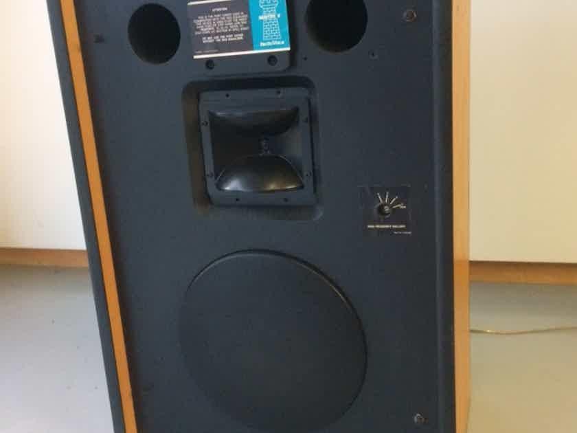 Electro-Voice Speakers Sentry V