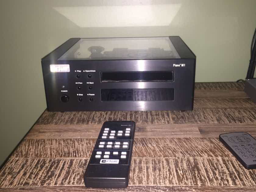 Virtue Audio Piano M1  Awesome cd player great reviews Free shipping!!