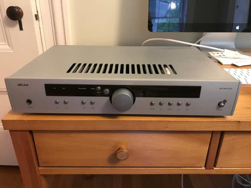 Arcam A80 Integrated Amplifier