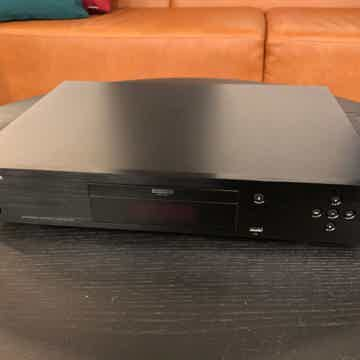 Oppo  UDP-203 4K Ultra HD Blu-ray Universal Disc Player