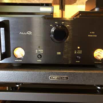 Allnic Audio H-7000 Phono Stage