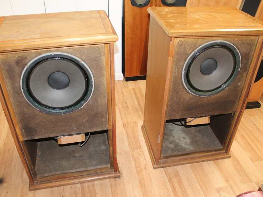 "A Pair : Tannoy Windsor Cabinet with Monitor Gold 15"" in Excellent Condition"