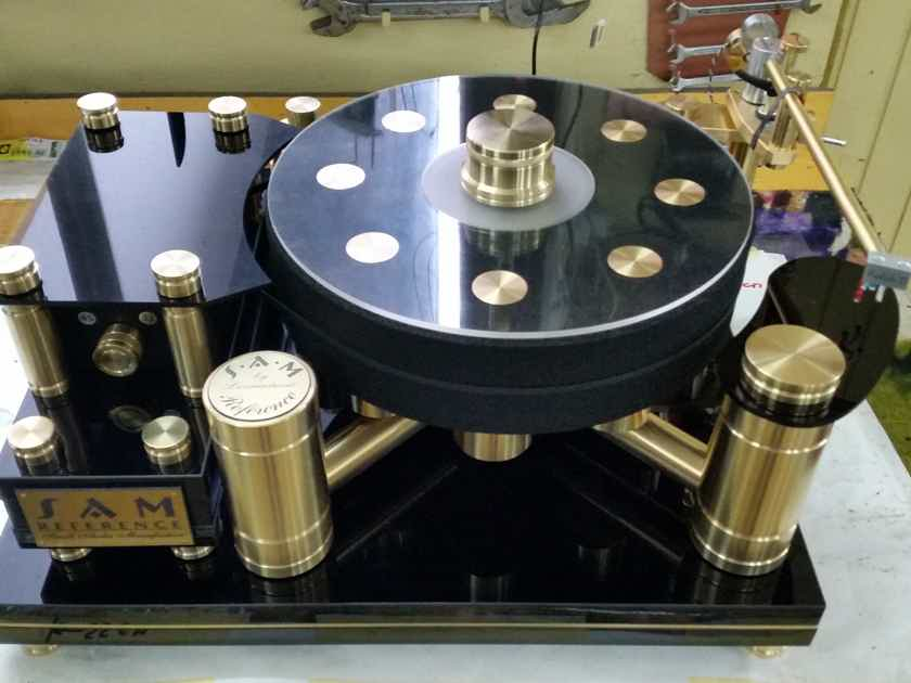 SAM (Small Audio Manufacture) Brass Reference High End Turntable