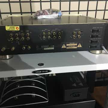 C-05 Control Amplifier Pre With Superb Phono