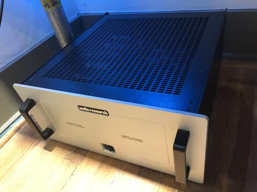 Audio Research VTM-200 Single mono amplifier silver finish w/orig box