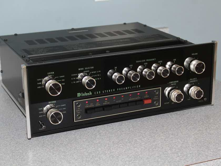 McIntosh C33 stereo preamplifier/integrated amplifier VERY NICE CLASSIC MAC