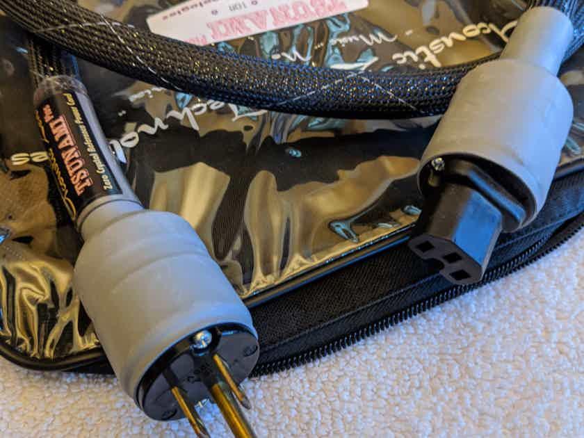 Acoustic Zen Tsunami plus Power Cord 6 ft.
