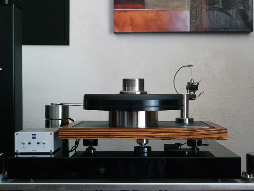 """Cantano Cantano W/T turntable and 12"""" tonearm - showroom demo unit - latest model - made in Berlin"""