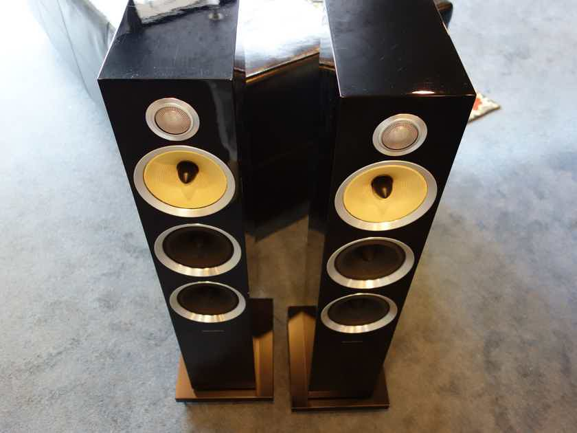 B&W (Bowers & Wilkins) CM8 with warranty