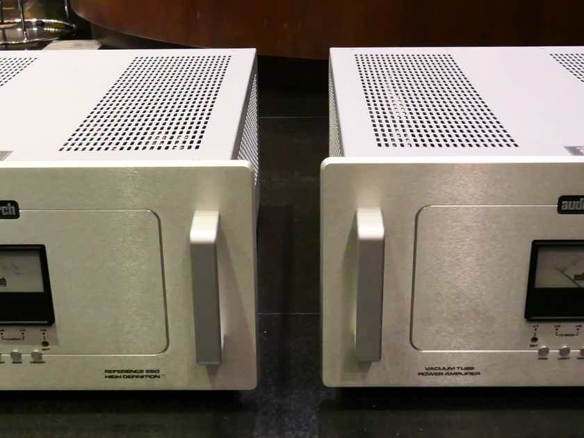 Audio Research Reference 250 SE tube monoblocks power amplifier ( 210 - 240 volts ). Free shipping worldwide !