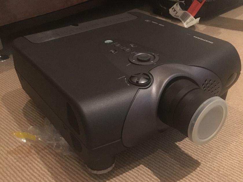 Marantz VP-15S1 DLP 1080p video projector