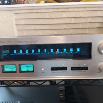 Accuphase T101 FM Tuner T101