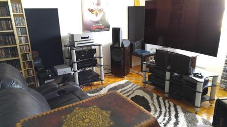 Music & HT - Esoteric & JBL