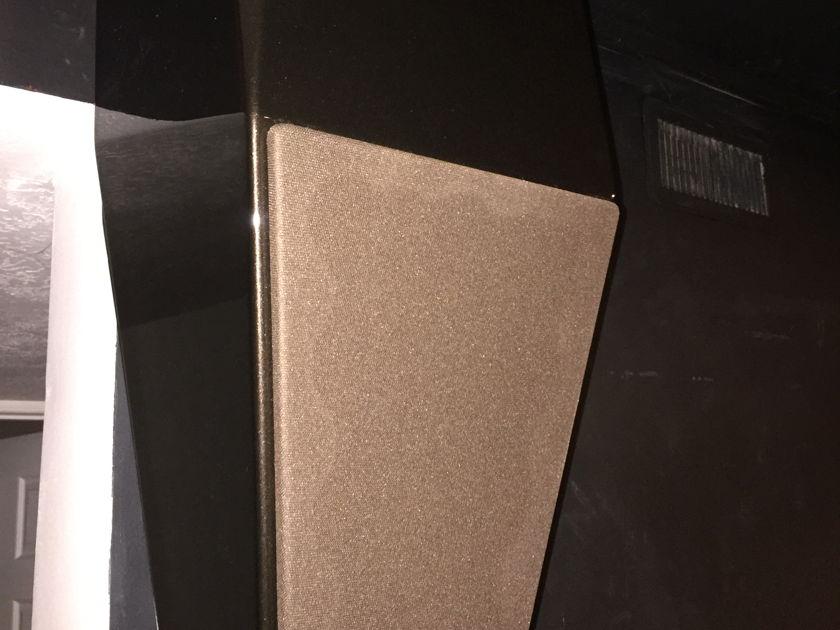 Wilson Audio Alida   Wall-Mounted speakers (pr.)