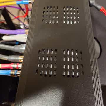SOtM sMS-200ultra Network Streamer 12V, 75 Ohm Master Clock