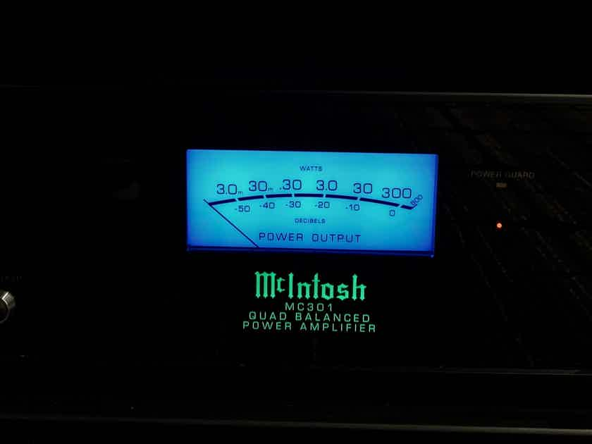 McIntosh MC-301 1-Channel Solid State Amplifier (only 50 hours)