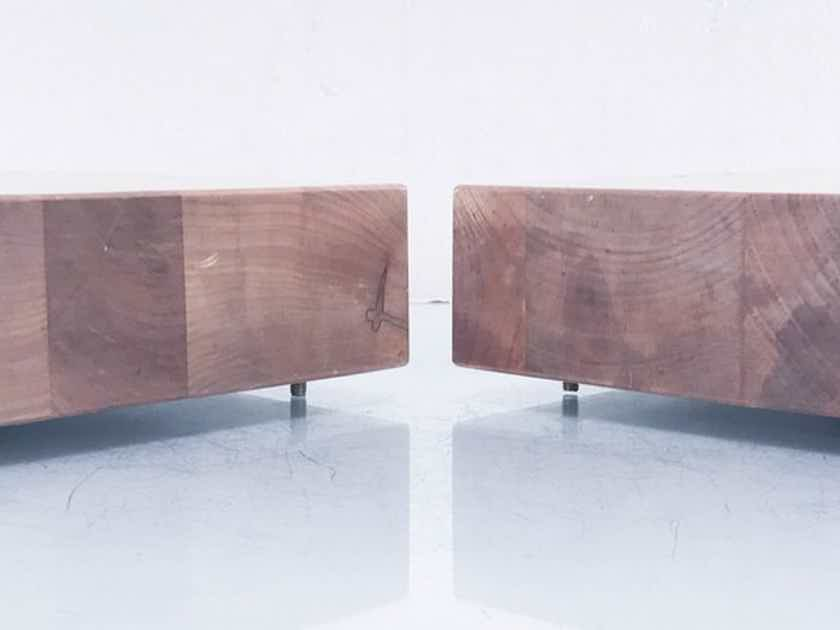 """Mapleshade 4"""" Speaker / Component Platforms Lacquered Maple Pair (14312)"""