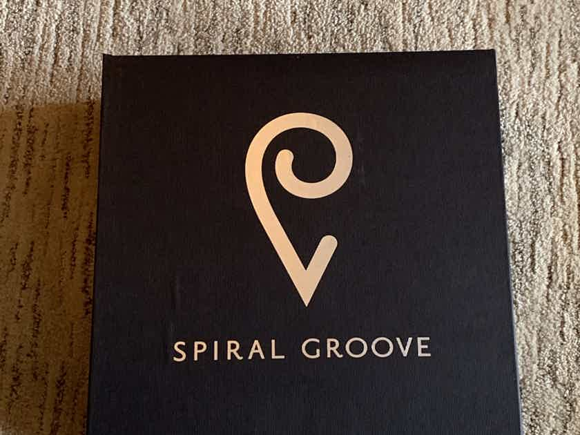 Spiral Groove SG 1.2 flagship turntable with Centroid Tonearm & Free Custom SRA stand !!