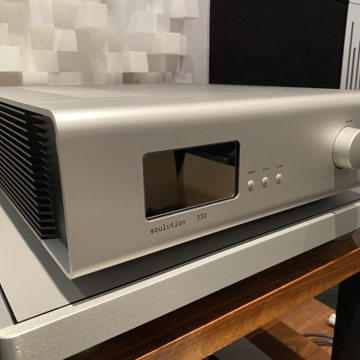 330 integrated amplifier