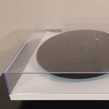 Rega P2 (Planar Two) Turntable