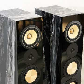 Contrast Audio Black Moon in Black gloss