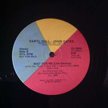 Hall And Oates - Say It Isn't  So/Wait For Me(Live Vers...