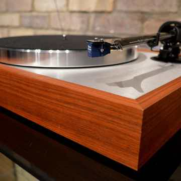 Pro-Ject Audio Systems The Classic DC - Rosenut w/ Sumi...