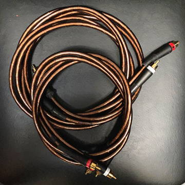 NuForce Focused Field IC-700 2 m & 1 Meter RCA ints