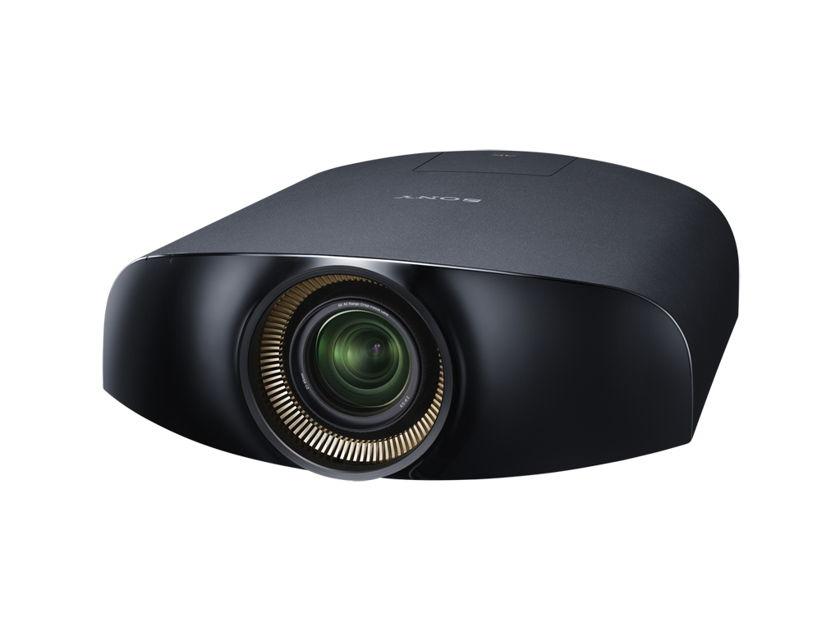 Sony VPLVW600ES 3D/GAMING Projector