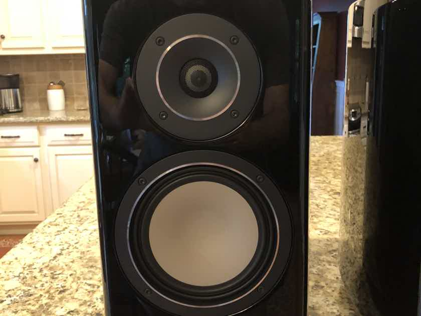 Canton  Reference 9K (Pair) Gloss Black