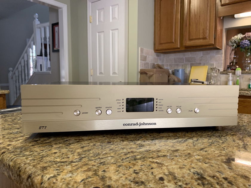 """Conrad Johnson ET-7s2 - *Price Change -   CJ AMP Trades Welcome-""""upgrade your music; An excellent preamp is the fastest way"""". This is in Pristine condition.   ( Tube Premap, Pass Labs, Cary Audio, PrimaLuna, BAT, Zu Audio, DeVore Fidelity)"""