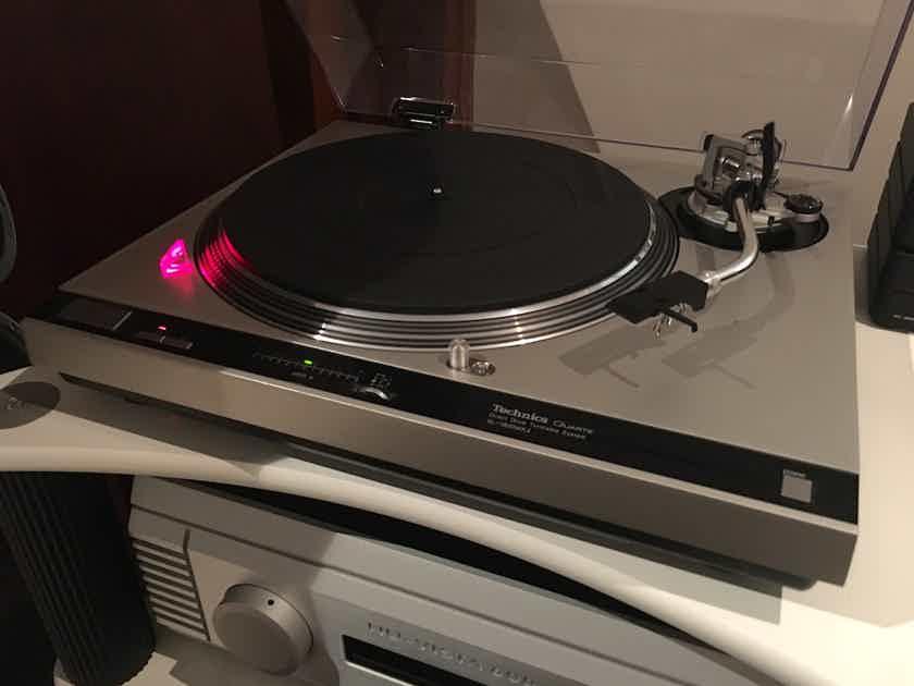 TECHNICS  SL-1800 MkII Turntable SEE PHOTO