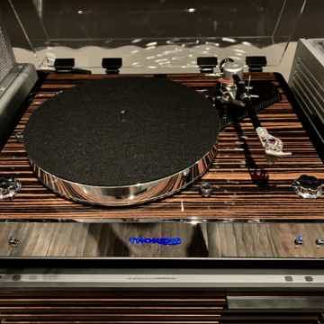 Thorens TD-550 Turntable in Macassar with Thorens TEP30...