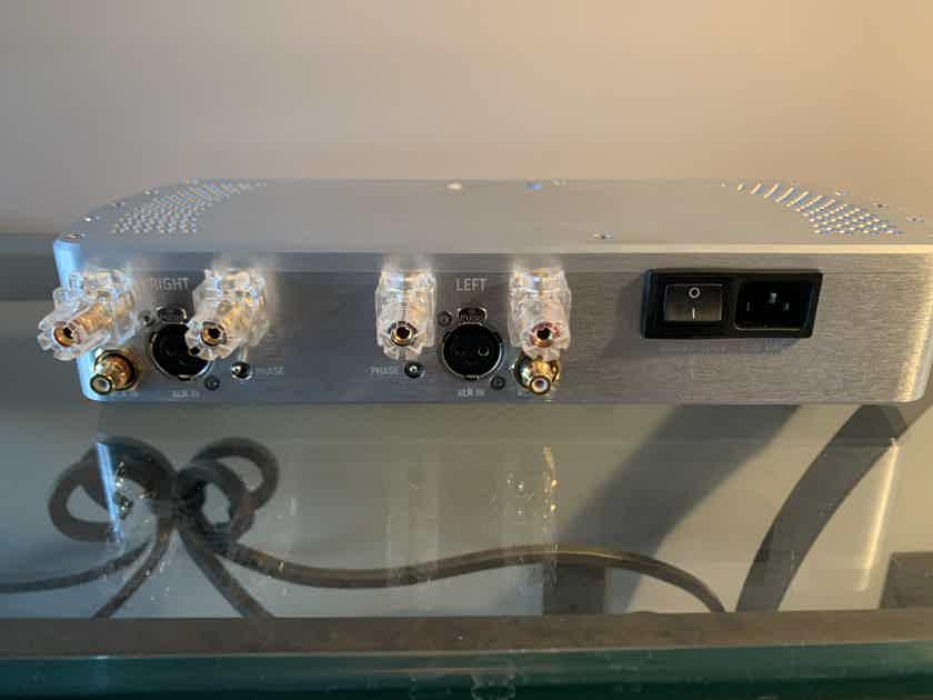 Chord Electronics Ltd. Etude 150watt/ch@4ohm Stereo Power Amplifier/ Silver/ LIKE NEW/ WARRANTY - PRICE DROP!