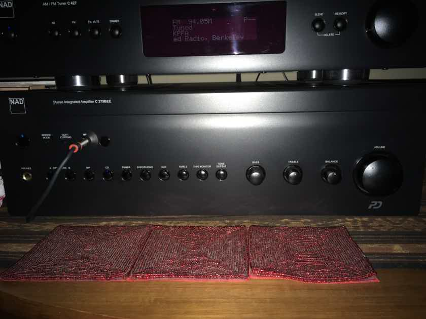 NAD C 375BEE w/ NAD phono stage