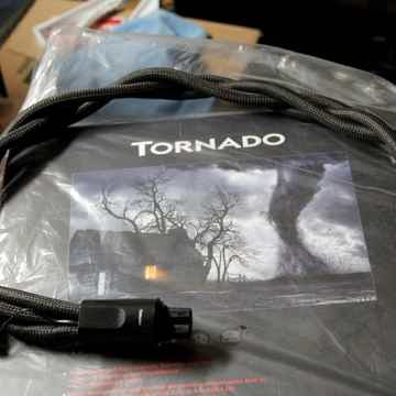AudioQuest Tornado > High-Currant > Storm Series > 15 A...