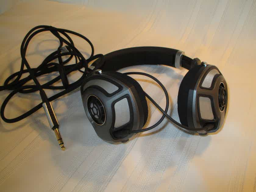 Headphones HD-700