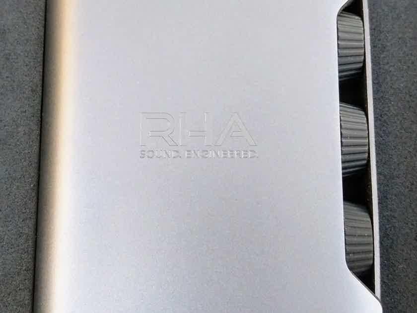 RHA DACAMP L1 - As new, Mint Condition + BONUS!