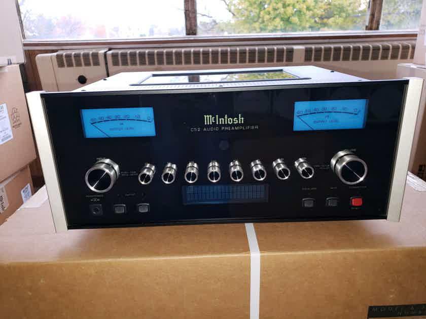 McIntosh C52 2-Channel Stereo Preamplifier –  Display/Warranty