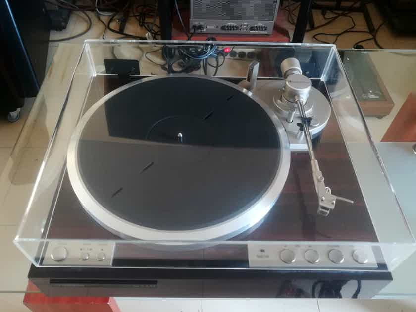 JVC VICTOR QL-Y44F high quality turntable in Perfect working state and good shape,plug & play