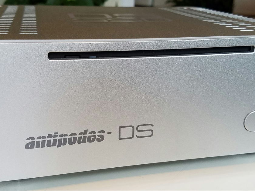 ANTIPODES Audio MUSIC SERVER DS SSD 500GB, MINT COND. ROON READY !  FOR LAST 6 DAYS INCLUDES A FREE 1TB SSD.. !!!
