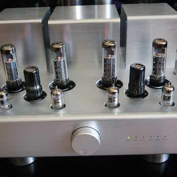 Lyric Audio Ti140 integrated tube amplifier with Telefunken EL34 tubes