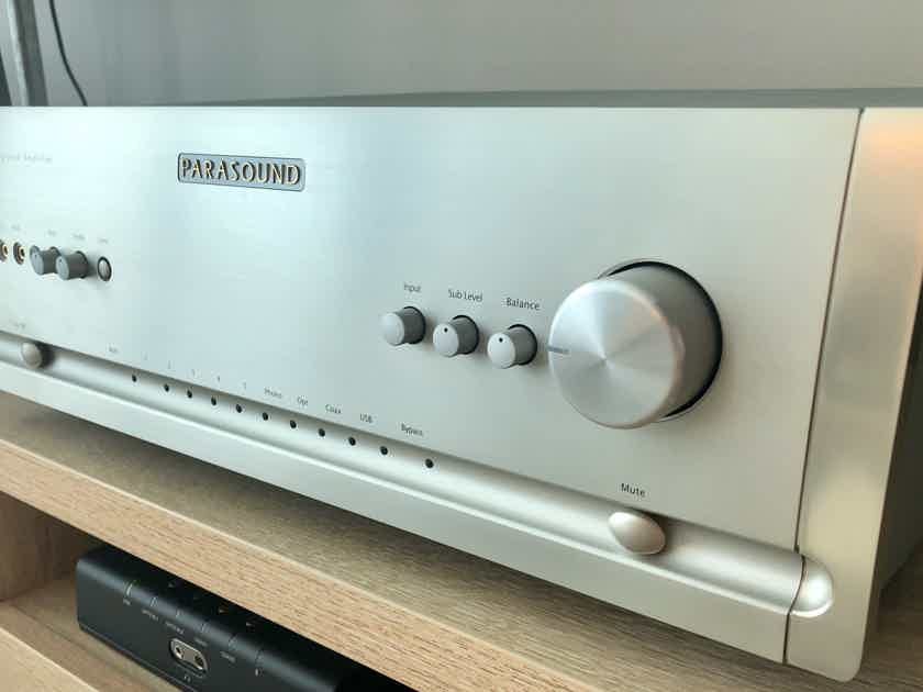 Parasound Halo 2.1 Channel Integrated Amplifier
