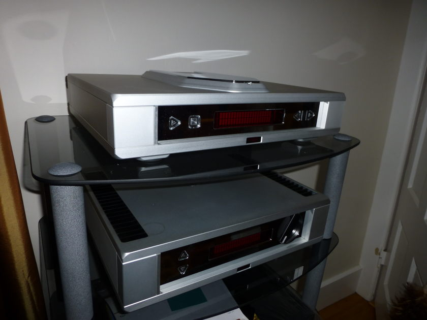 REGA ISIS & OSIRIS, LIMITED EDITION Satin Finish, MINT OBM Warranty, from Auth Rega Dealer, STUNNING and 55% discount!
