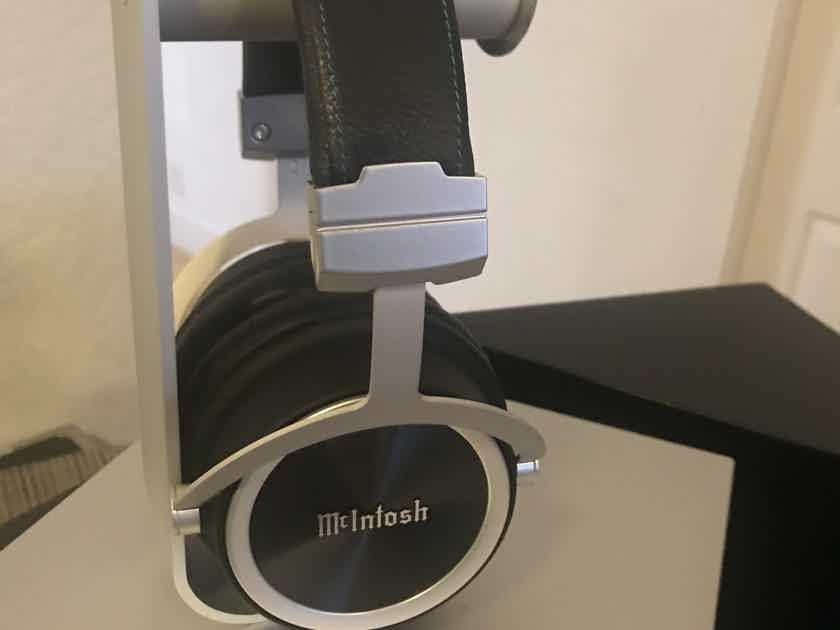 McIntosh MHP 1000 Headphones brand new**********************************