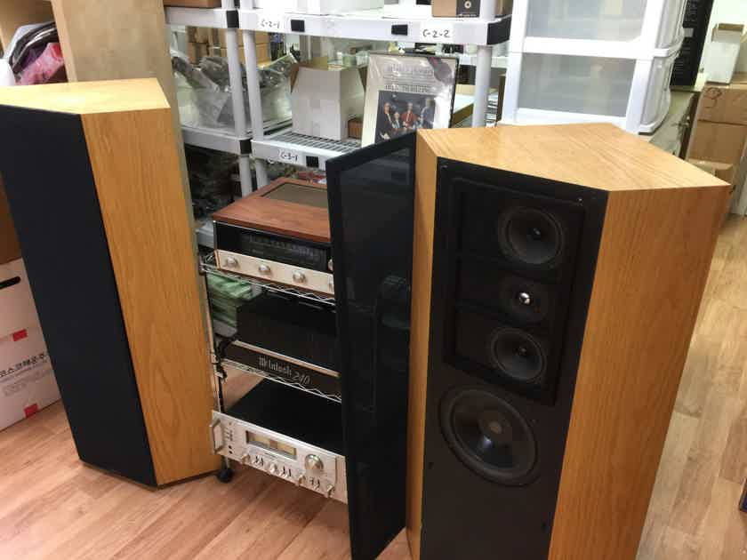 Snell Type B Full Range Speakers in excellent condition, *RARE*
