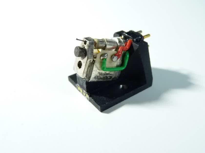 van den Hul Grasshopper GLA MK III top MC cartridge  LOMC