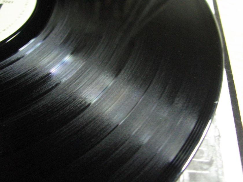 Larry Carlton - Larry Carlton - 1978 Warner Bros. Records BSK 3221